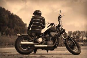 ראשית להחליף גלגל באופנוע